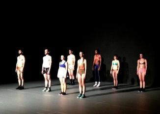 spectacle-danse-critique-contemporaine